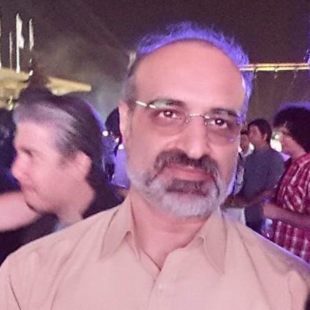 M esfehani4965835203857293458624 دانلود آهنگ عشق است و آتش و خون محمد اصفهانی