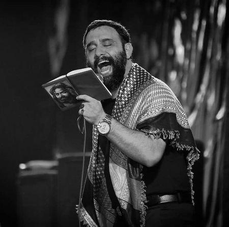 Javad Moghadam Ghashange Beinolharamein Music fa.com دانلود مداحی میگن نمیدونی چقدر قشنگه بین الحرمین جواد مقدم