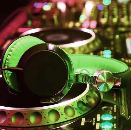 Salman Badri Dadashi Music fa.com دانلود آهنگ یه روزی من بودمو یه رفیق جون جونی سلمان بدری