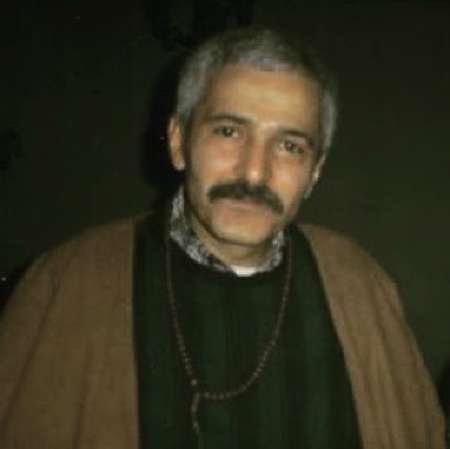 Farhad Ayne Music fa.com دانلود آهنگ این غریبه کیه از من چی میخواد فرهاد