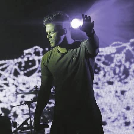 Sirvan Khosravi To Khial Kardi Beri Music fa.com دانلود آهنگ سیروان خسروی تو خیال کردی بری