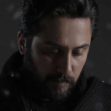 Roozbeh Bemani 9387519 Music fa.com دانلود آهنگ روزبه بمانی من باهاش کار دارم این روزا