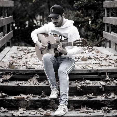 Omid Afkham Ye Khoone Music fa.com دانلود آهنگ گذشتن از عشقت کار من نیست که امید افخم