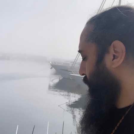 Roozbeh Nematollahi Adama Bade To Music fa.com دانلود آهنگ روزبه نعمت الهی آدما بعد تو