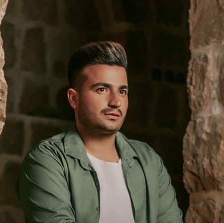 Meysam Khosravi Sange Mazar Music fa.com دانلود آهنگ سر سنگ مزارم گل بریزید میثم خسروی