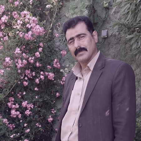 Mohammad Amiri Ye Otaghe Tarik Music fa.com دانلود آهنگ یه اتاق تاریک و غم و حسرت و هی درد محمد امیری