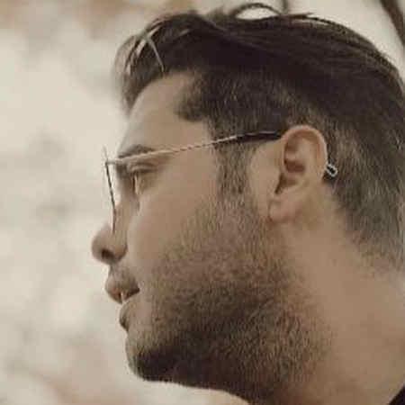 Yousef Zamani Hamechi Yehoei Shod Music fa.com دانلود آهنگ همه چی یهویی شد اومدی رفتی تو قلبم یوسف زمانی